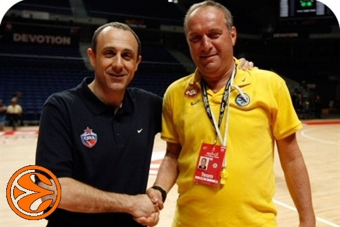Ettore Messina and Zvi Sherf - CSKA practices - Final Four Madrid 2008