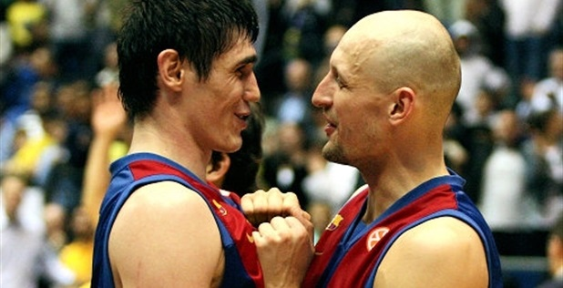 Ilyasova and Barton, FC Barcelona