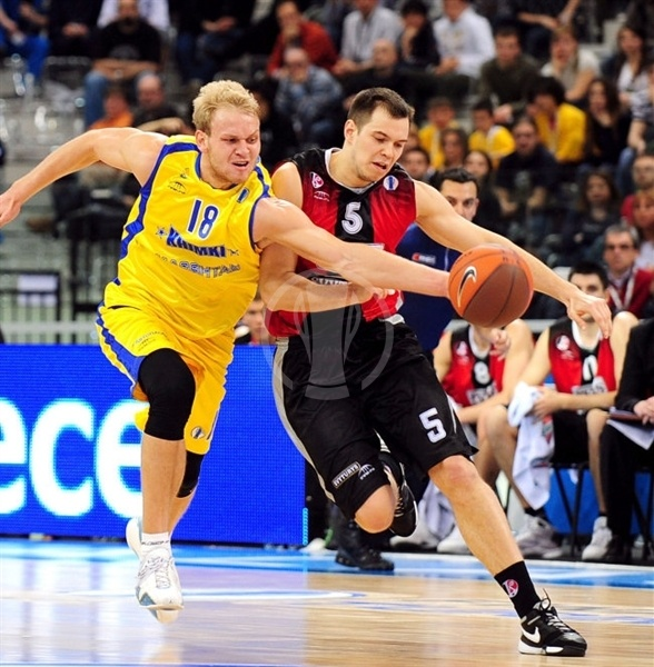 Anton PonKrashov - BC Khimki and Steponas Babrauskas - Lietuvos Rytas - Final Eight Turin 2009
