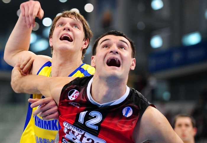 Michailis Anisimovas - Lietuvos Rytas and Timofey Mozgov - BC Khimki - Final Eight Turin 2009