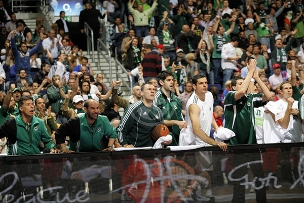 Panathinaikos bench - Panathinaikos - Final Four Berlin 2009