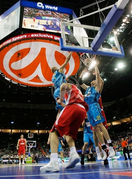 3rd place Game Olympiacos vs. Regal FC Barcelona in O2 World - Final Four Berlin 2009