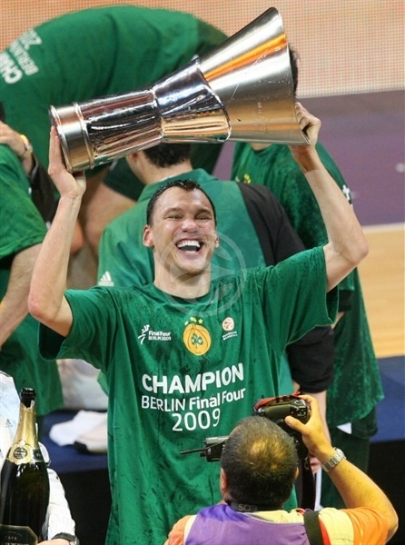 Sarunas Jasikevicius - Panathinaikos Champ 2008-09 - Final Four Berlin 2009