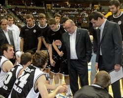 Dusko Vujosevic - Partizan - Euroleague American Tour 2009, vs. Denver Nuggets
