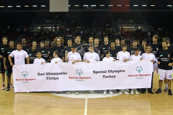 players Fenerbahce Ulker and Siena with Special Olympics in Istanbul