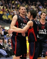 Mirza Teletovic celebrates - Caja Laboral