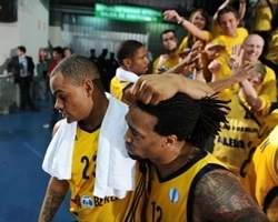 McElroy and Wright with Alba fans - Alba Berlin - Finals 2010 Vitoria-Gasteiz