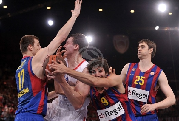 Sasha Kaun with Ricky Rubio - CSKA Moscow - Final Four Paris 2010