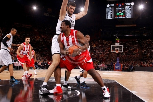 sofoklis Schortsanitis - Olympiacos - Final Four Paris 2010