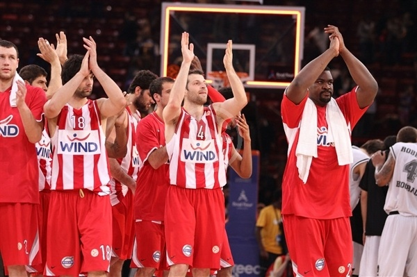 Players Olympiacos celebrates - Final Four Paris 2010