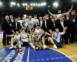Partizan champ Adriatic League 2009-10 (photo adriaticbasket.com)