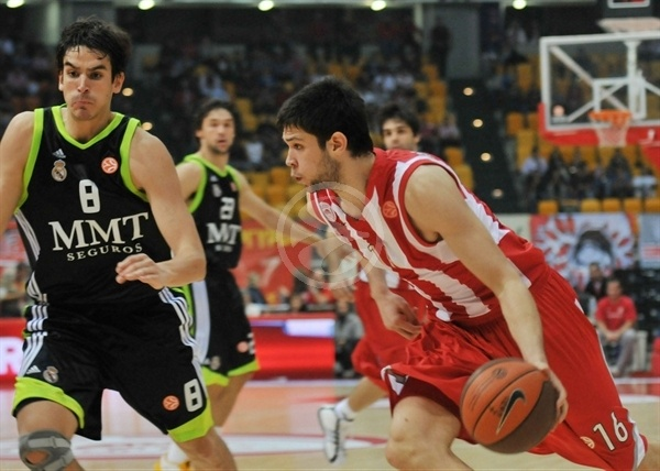 Kostas Papanikolaou - Olympiacos - Opening Game Euroleague 2010-11