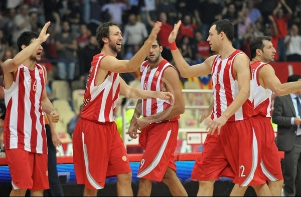 Olympiacos celebrates - Opening Game Euroleague 2010-11