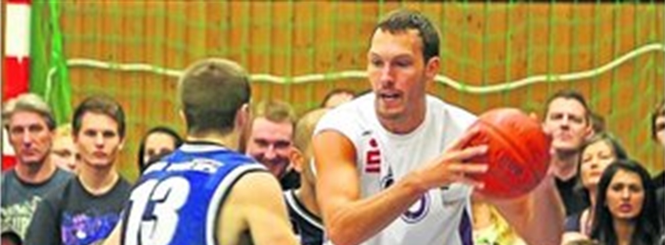 Ludwigsburg re-signs big Waleskowski