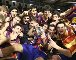 Players Regal FC Barcelona celebrates NIJT Hospitalet Champion (photo Joma Garcia i Gisbert)