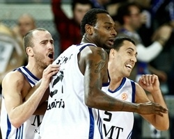 Rodriguez, Fischer and Prigioni celebrates - Real Madrid