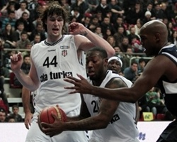 Marcelus Kemp, A.J. Ogilvy - Besiktas Cola Turka (Photo: tbl.org.tr)