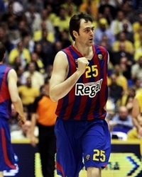 Erazem Lorbek celebrates - Regal FC Barcelona