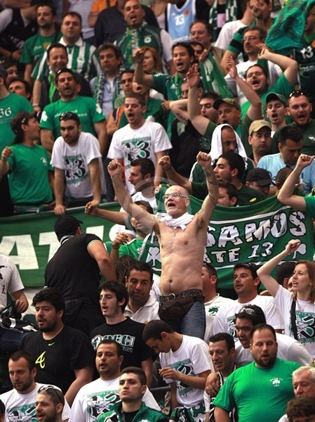 Panathinaikos fans in Palau Sant Jordi - Final Four Barcelona 2011