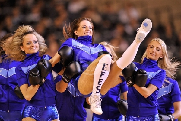 Cheerleaders in action - Final Four Barcelona 2011