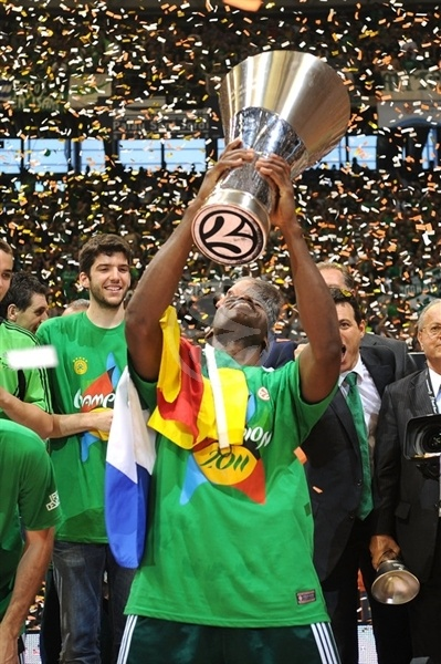 Romain Sato, Champ! - Panathinaikos - Final Four Barcelona 2011