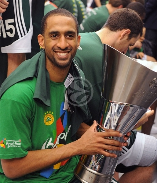 Drew Nicholas, Champ! - Panathinaikos - Final Four Barcelona 2011
