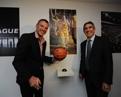 Sarunas Jasikevicius with Jordi Bertomeu - Euroleague headquarters