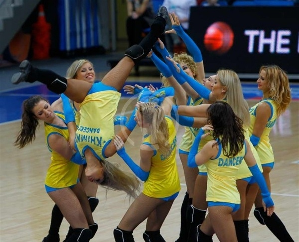 Cheerleaders BC Khimki (photo bckhimki.ru)