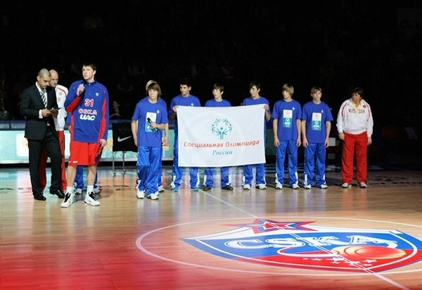 Viktor Khryapa of CSKA Moscow in suport Special Olympics in Moscow
