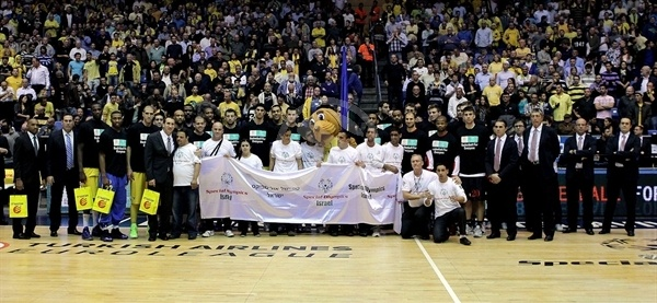 Players Maccabi Electra and EA7 Emporio Armani with Special Olympics in Tel Aviv