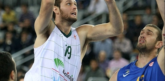 Unicaja's Freeland injured