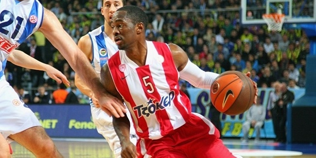 Jerusalem adds Lucas to backcourt
