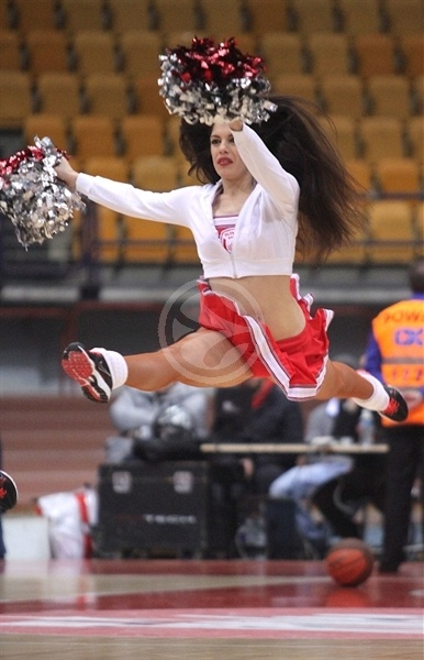 Olympiacos cheerleaders