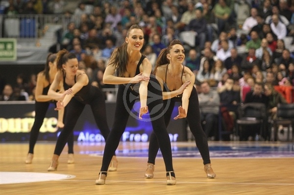 Unicaja cheerleaders