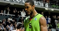 Panathinaikos bulks up with Armstrong at center