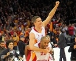 Jaka Lakovic and Jamon Lucas celebrates - Galatasaray Medical Park