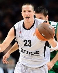Casey Jacobsen - Brose Baskets