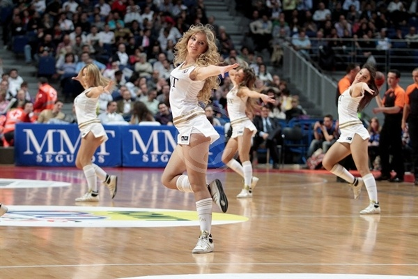 Real Madrid cheerleaders