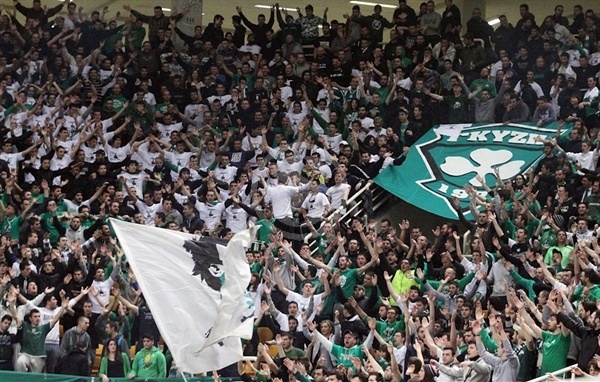 Panathinaikos fans in OAKA