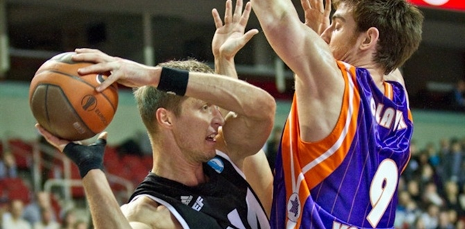 VEF Riga re-signs Berzins through 2015