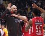 Pero Antic - Olympiacos celebrates