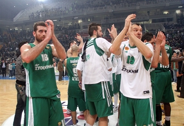 Players Panathinaikos celebrates