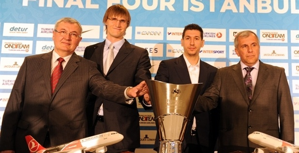 Jonas Kazlauskas, Andrei Kirilenko, Dimitris Diamantidis and Zeljko Obradovic with trophy in Press Conference - Final Four Istanbul 2012