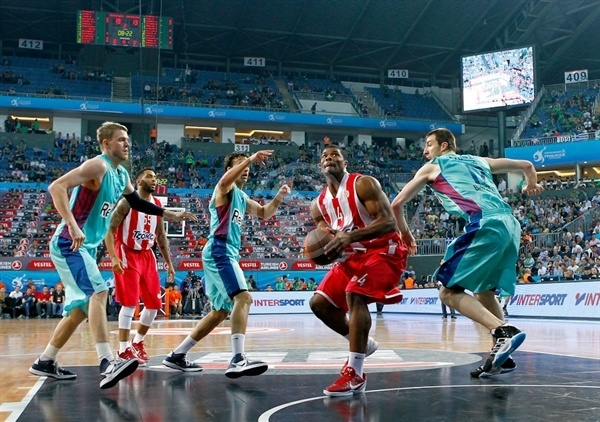 Kyle Hines - Olympiacos - Final Four Istanbul 2012