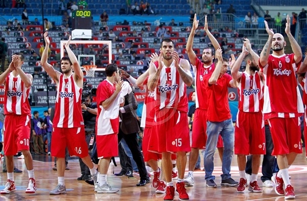 Players Olympiacos celebrates - Final Four Istanbul 2012