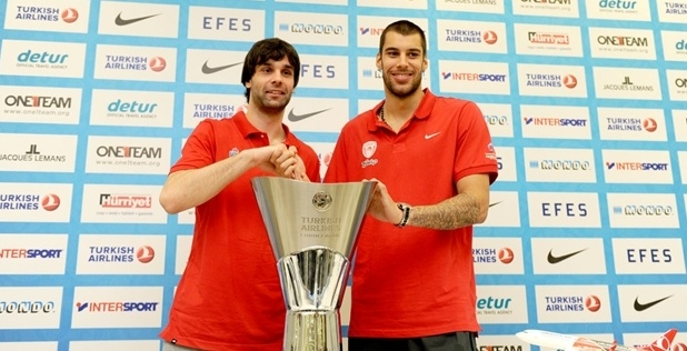 Milos Teodosic, Georgios Printezis at the Final press conference