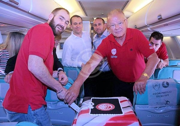 Vassilis Spanoulis and Dusan Ivkovic celebrates - Final Four Istanbul 2012 (newsports.eu)