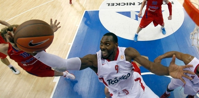 Olympiacos re-signs Dorsey through 2014