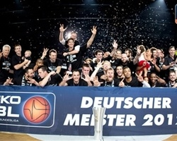 Brose Baskets Bamberg celebrates 2012 German League title