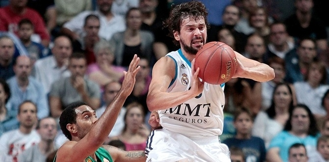 Real Madrid's Llull out with sprained ankle